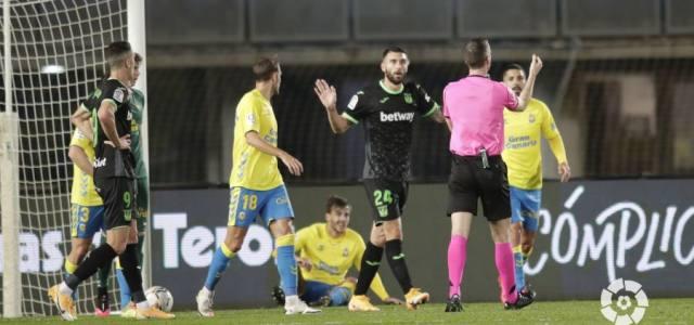 Las Palmas vence a un Leganés que acabó con nueve y complica el futuro de Martí