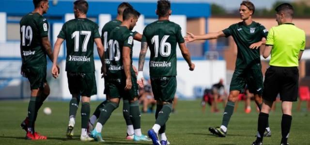 El Leganés se impone al Alcorcón con los goles de Recio y Manu